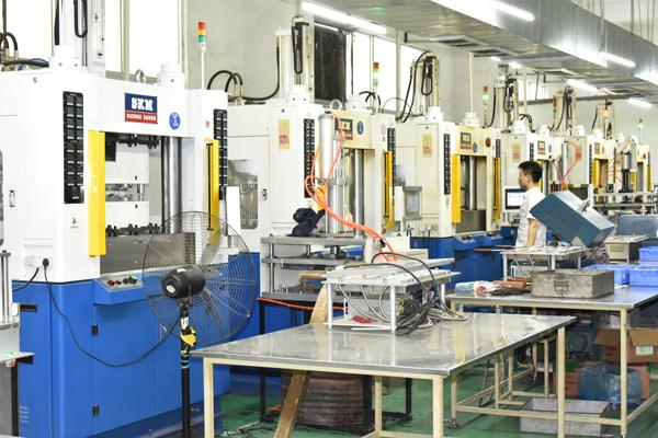 環氧樹(shu)脂注塑設備